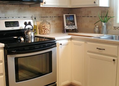 Creamy_White_Kitchen_2_thumb5B25D.jpg