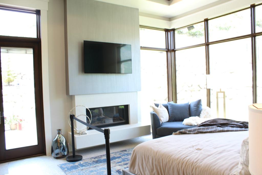 parade of homes paint color scheme and tour favorite paint colors blog. Black Bedroom Furniture Sets. Home Design Ideas