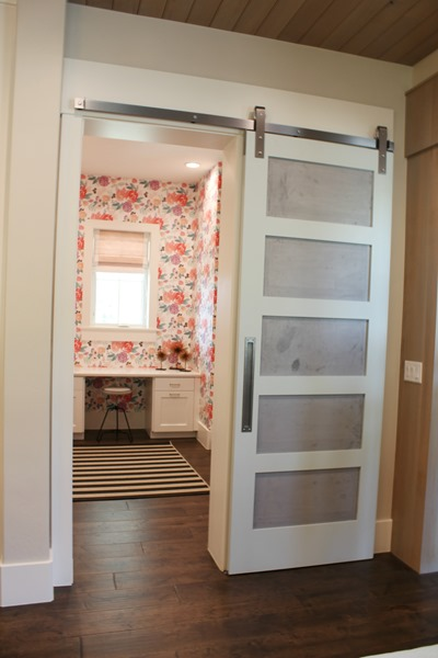 two-toned barn door