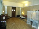 angela-bangalore-royal-orchid-metropole-suite-hotel-review-where-to-stay-bedroom