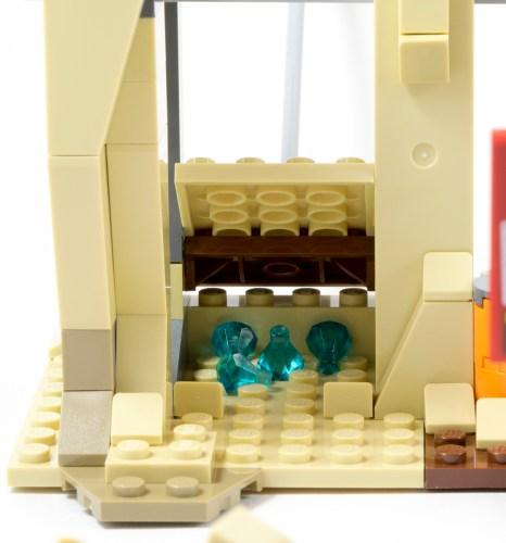 76037 - Poor Storage Solution