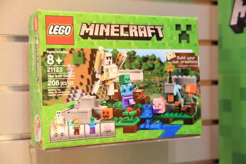 minecraft-lego-21123-iron-golem