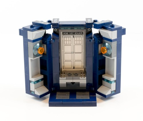 21304 TARDIS Opened