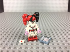71017-nurse-harley-quinn-3