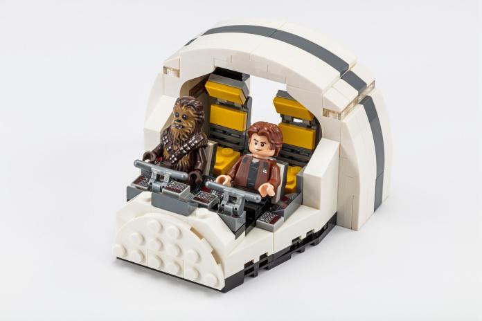 LEGO SDCC Exclusive 75512 Millennium Falcon Cockpit