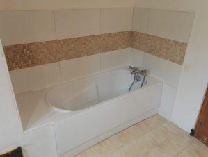 baignoire encastrée carrelée