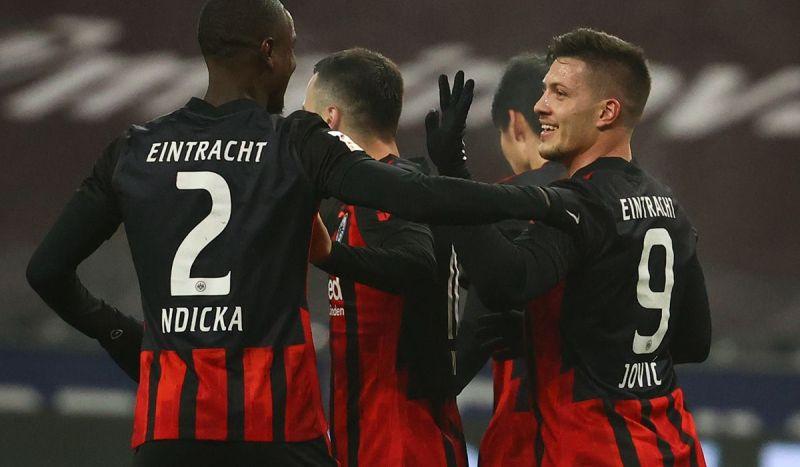 El Eintracht se 'burla' del Real Madrid tras el doblete de Luka Jovic