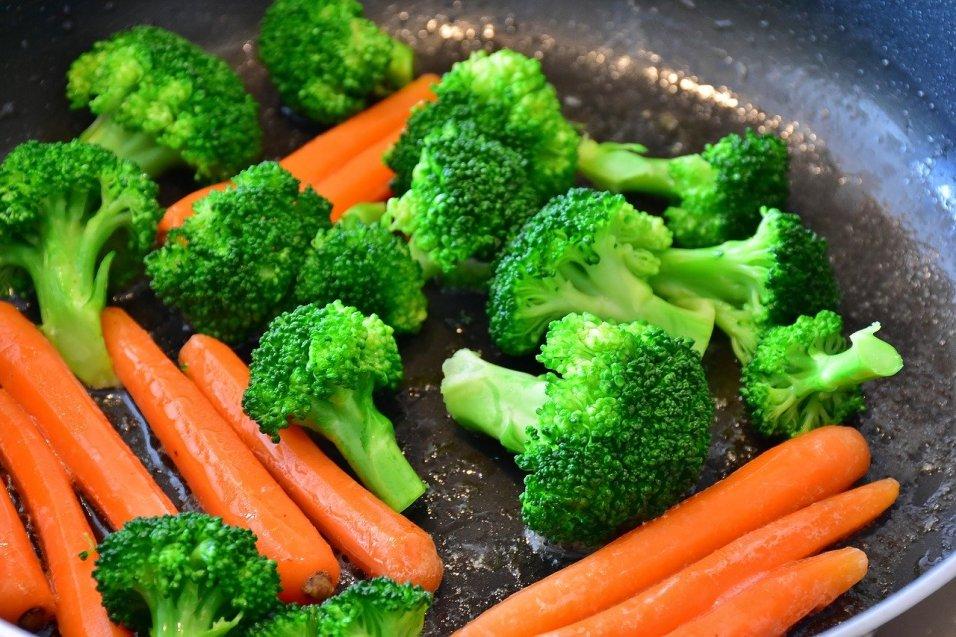 carrots brocolli