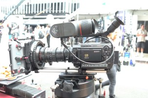 Manios Digital and Film is the US distributor for EVF (first seen at IBC) powered by AA batteries that run for about 10 hours