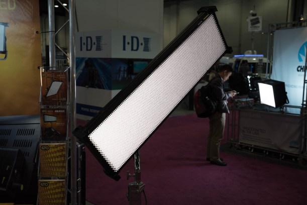 KinoFlow Celeb 4 Foot LED