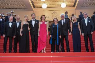 R-L: Pierre Andurand, President of Angenieux, James Deakins, Roger Deakins, Agnieszka Holland, Irène Jacob, Denis Villeneuve, Tanya Lapointe, Edward McDonnell, Claude Girard. Photo: D.Charriau