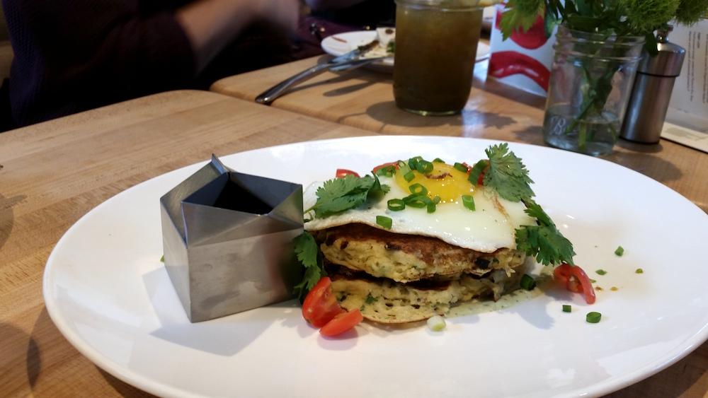 vinaigrette-brunch-savory-pancakes