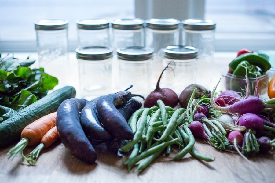 Extend the life of summer produce with the simple recipe for Quick Pickled Refrigerator Veggies! | www.feastingathome.com