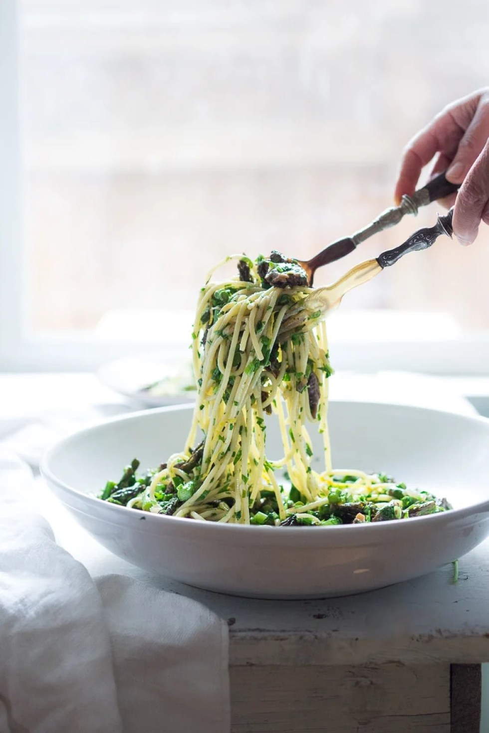 Spring Pasta Salad with Asparagus, Mushrooms and Lemon Parsley Dressing. Zesty and flavorful, make in 30 minutes! | www.feastingathome.com