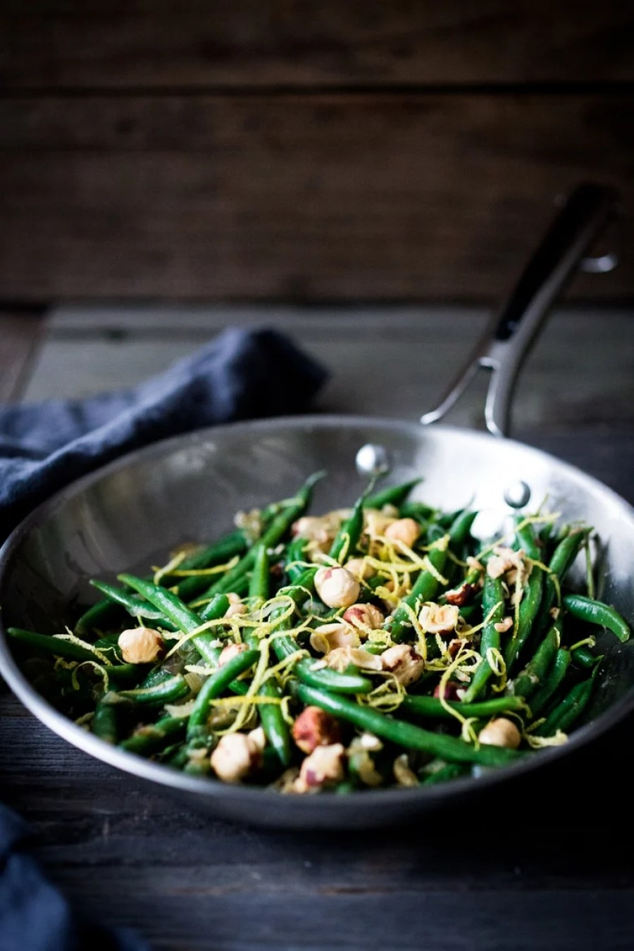 Hazelnut Green Beans with Lemon Zest and Truffle Oil + 15 delicious Thanksgiving SIDE DISHES that will turn your dinner into a feast! | www.feastingathome.com