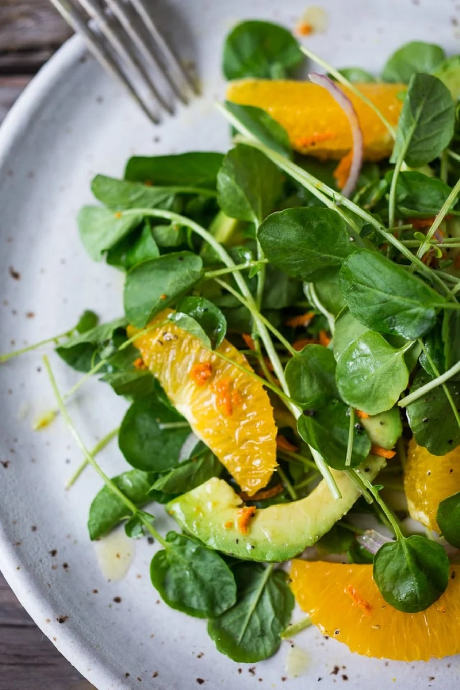 Cleansing Watercress Salad with Citrus, Avocado & Turmeric Dressing- a vibrant, peppery salad that is both energizing and gently detoxing with fresh turmeric root in the dressing. | www.feastingathome.com