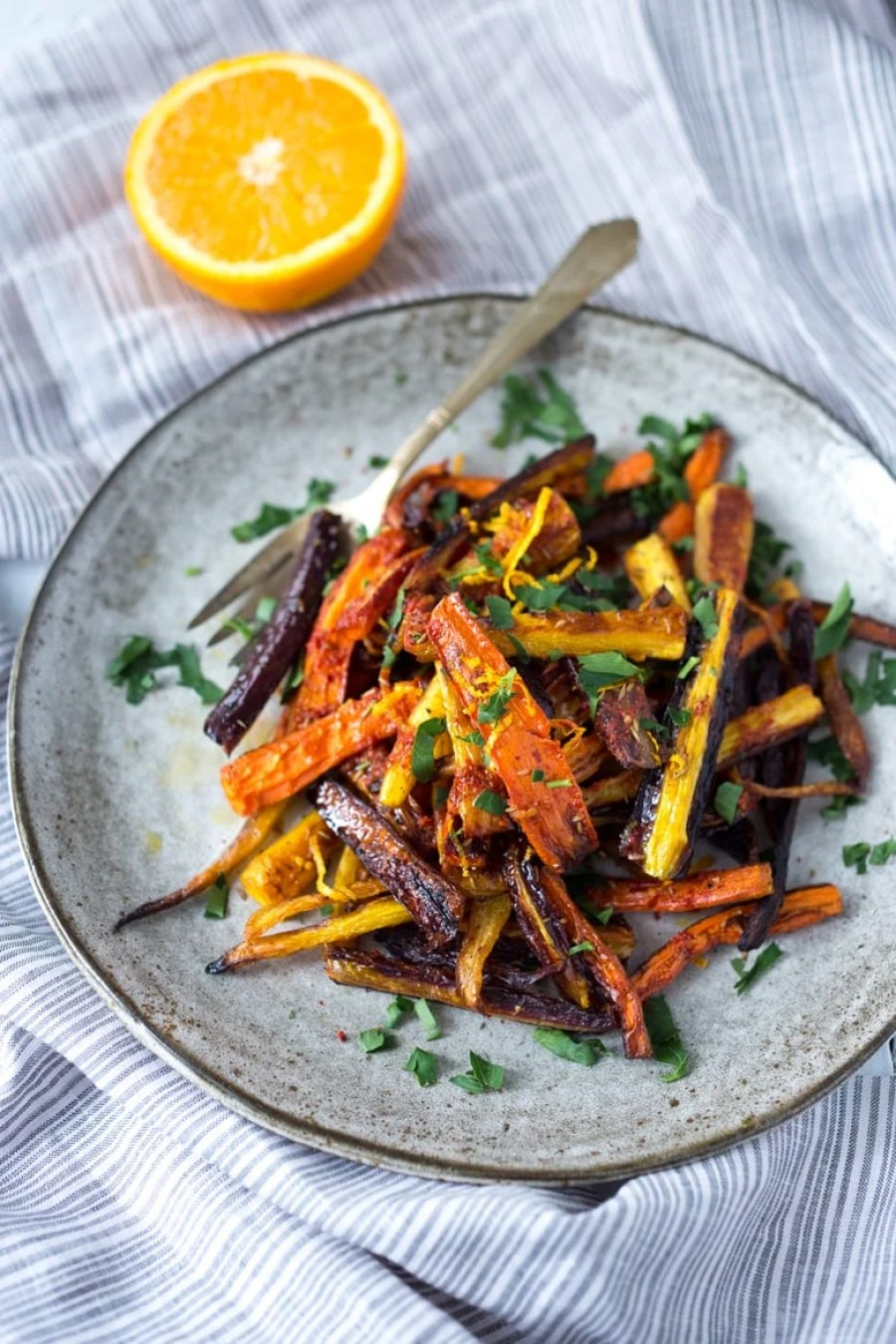 Moroccan Roasted Carrots + 15 delicious Thanksgiving SIDE DISHES that will turn your dinner into a feast! | www.feastingathome.com
