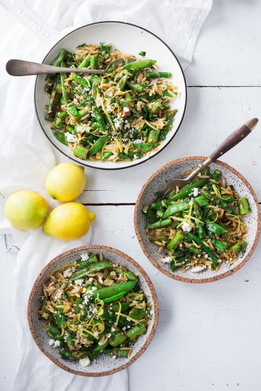 Asparagus and orzo Salad - plus 15 Farmers Market Recipes ( or CSA recipes) to make this summer! | www.feastingathome.com