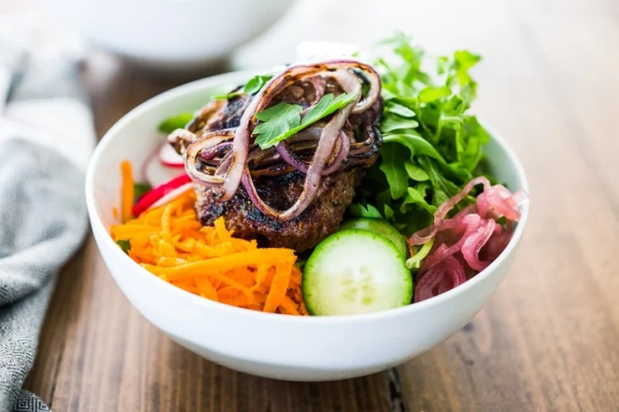 Healthy Tasty BURGER BOWLS- loaded up w/ healthy veggies & greens, can be made with grass-fed beef, lamb, turkey or veggie burgers! Gluten-free, vegan! | www.feastingathome.com