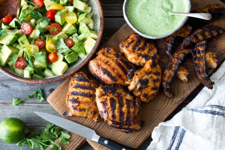 Grilled Peruvian Chicken with Green Sauce and Avocado-Tomato Salad |www.feastingathome.com