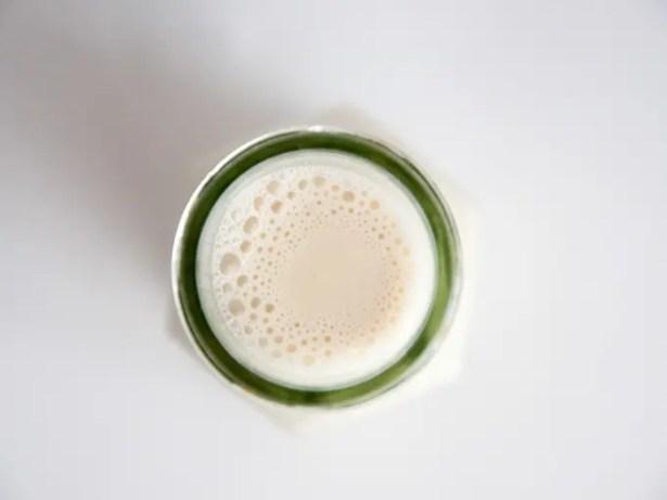 date-sweetened-hazelnut-milk-8