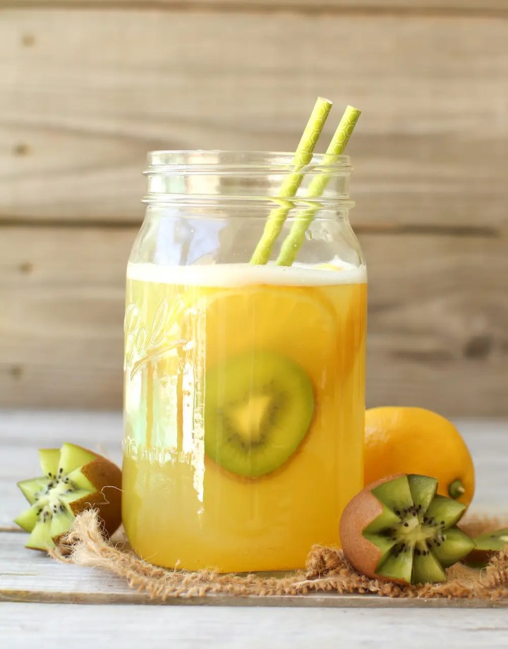 Healthy Lemonade Recipe | 100% Fruit Sweetened