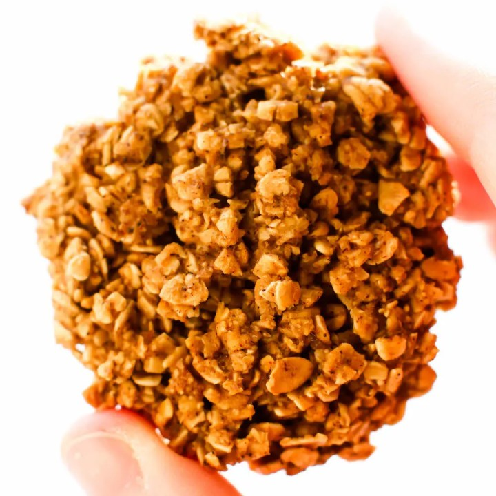 Chunky Oatmeal Vegan Gingersnap Cookies {gluten-free & oil-free}