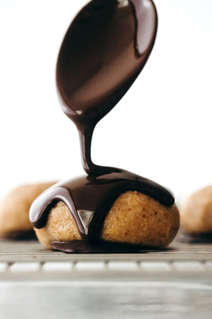 Tahini Almond Butter Chocolate Eggs (vegan + paleo)