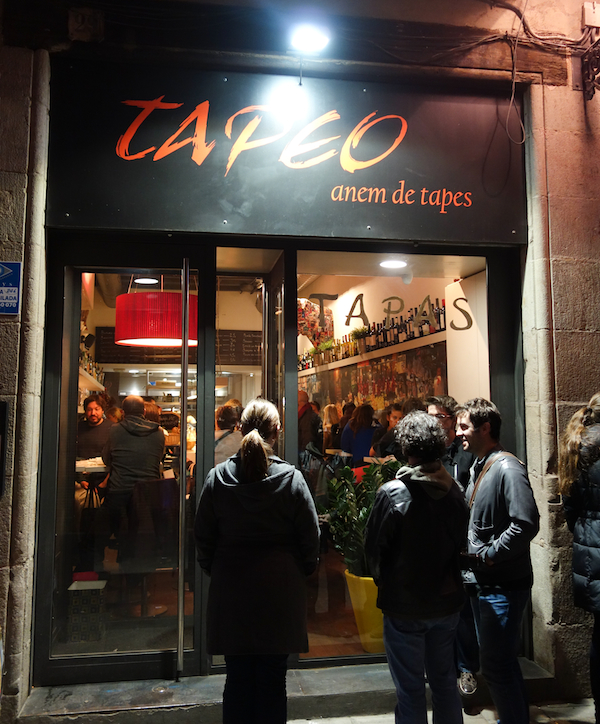 Tapeo Sign