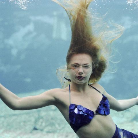 Underwater Mermaid Theater Annie-Collinge photography