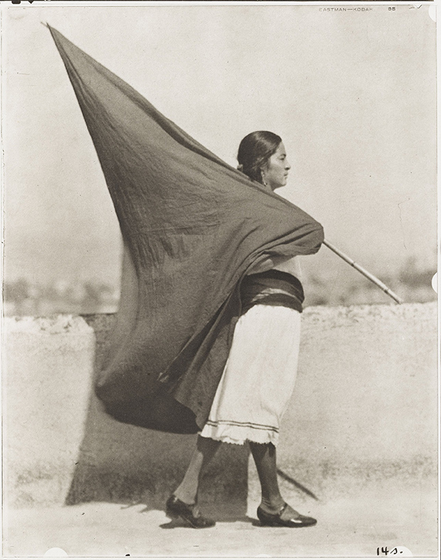 a02.-Tina-Modotti_Woman-with-Flag