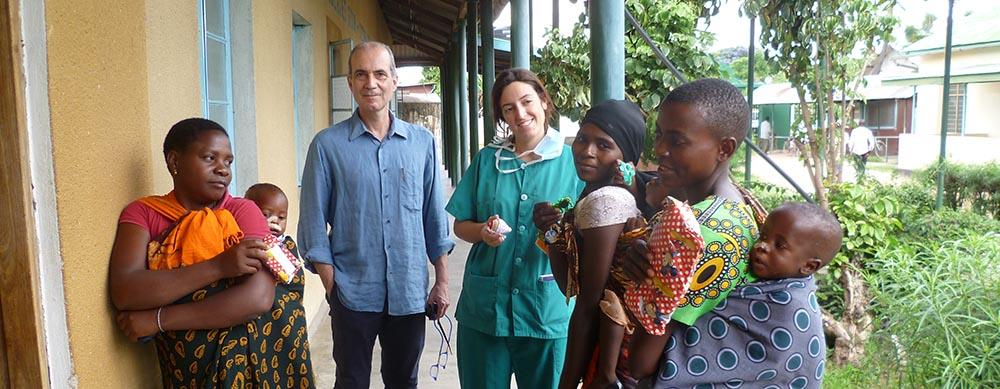 Foto de doctores de la Fundación española de cooperación sanitaria