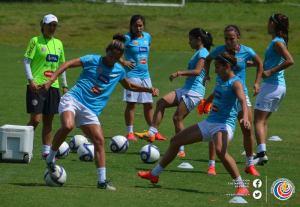 Entrenamiento Sele Femenina set 2015-6
