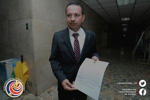 Rodolfo Villalobos presenta denuncia contra Eduardo Li octubre 2016 (1)