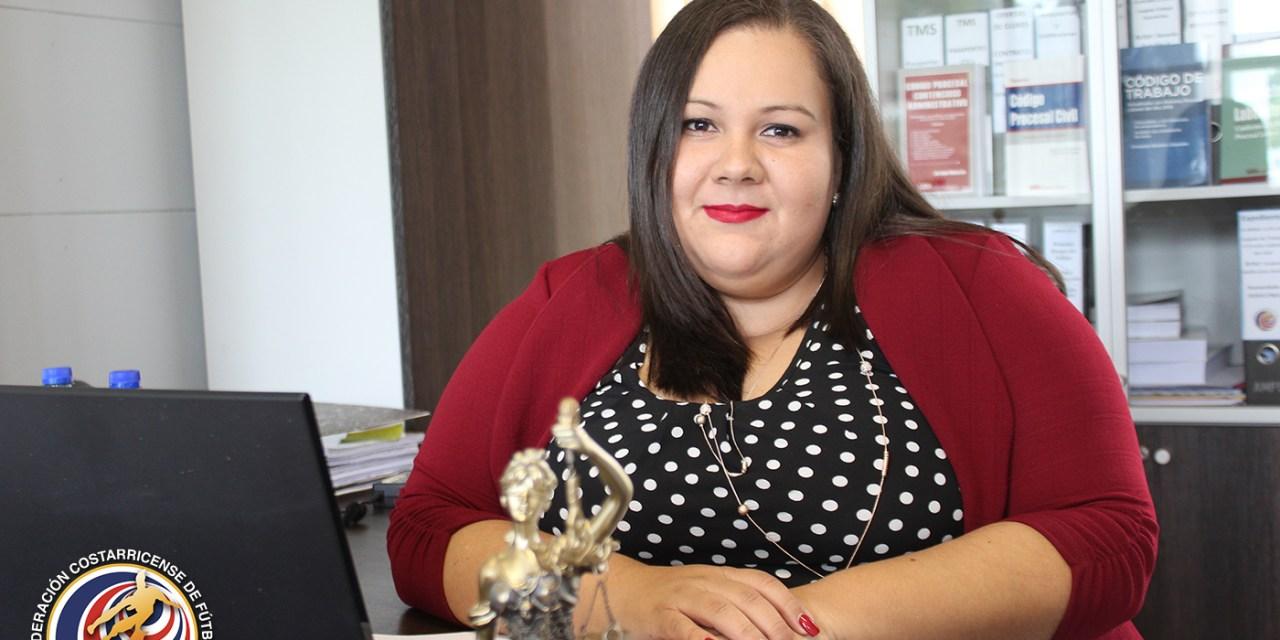 Aida Vargas: la responsable de las leyes en la FEDEFUTBOL