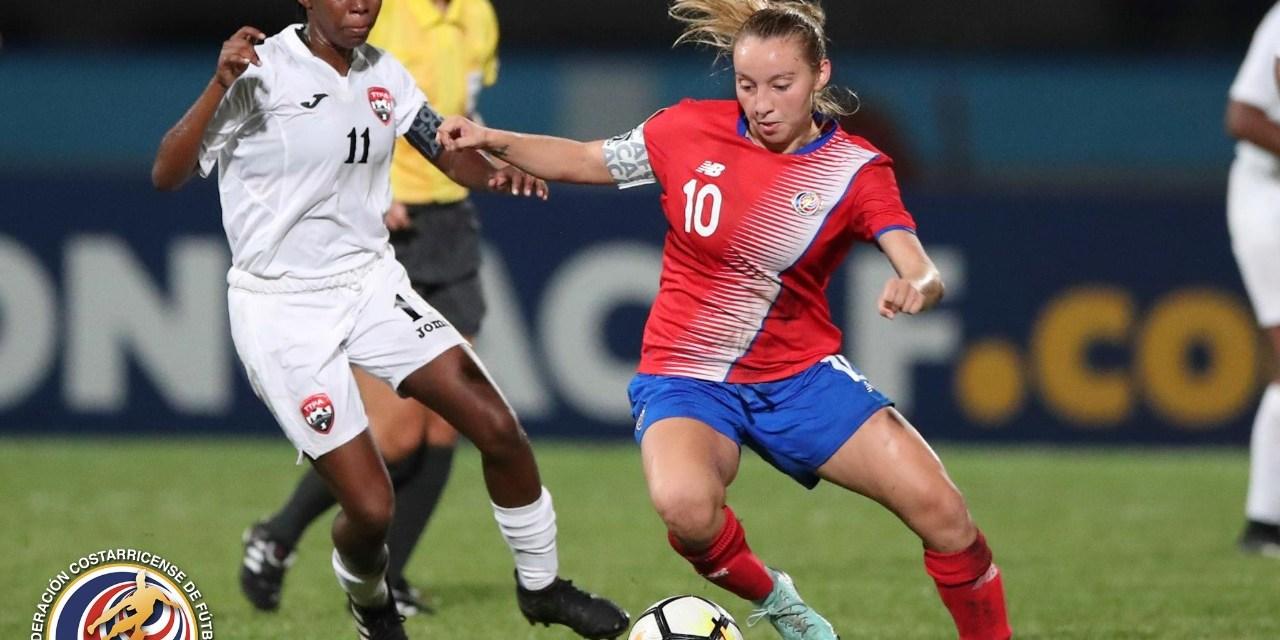 Femenina se lava la cara derrotando a Trinidad