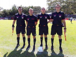 William Mattus se encuentra de segundo de izquierda a derecha