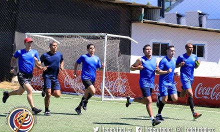 Árbitros de CONCACAF se preparan en Costa Rica
