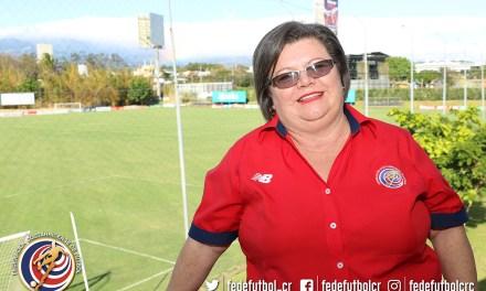 Doña Flory: 30 años de vivencias en la FEDEFUTBOL