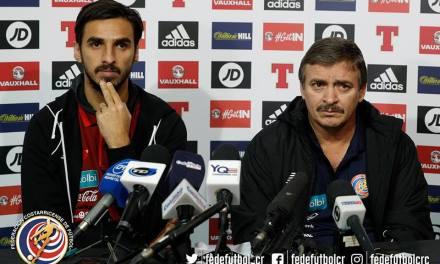 """Óscar Ramírez: """"Ante Escocia vamos con la base de la eliminatoria"""""""