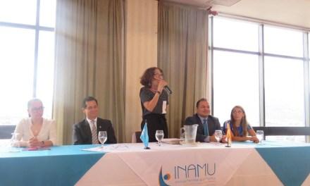 Femenina recibe reconocimiento del INAMU