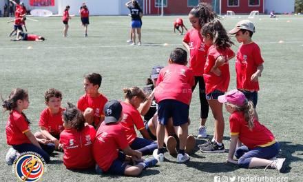 Mil niños participan de torneo del FC Barcelona y Scotiabank