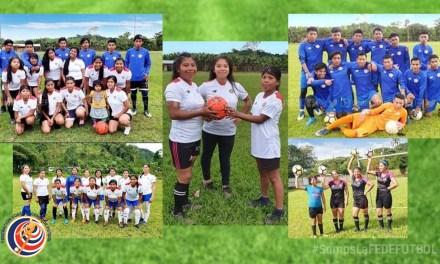 Jóvenes de Sabalito reciben indumentaria deportiva