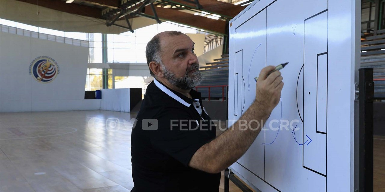 Carlos Quirós, «Tenemos que salir a gustar, convencer y ganar»