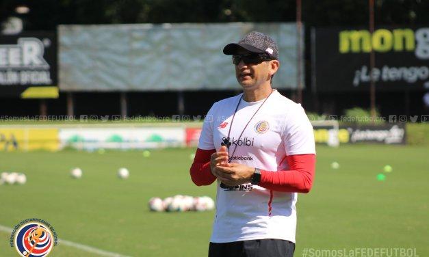 """Rónald González analiza reanudación del torneo: """"futbolistas se han comportado de manera muy profesional"""""""