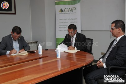 Firma del convenio FEDEFÚTBOL - CNP