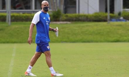 Douglas Sequeira llama 26 jugadores para regreso de la Selección Preolímpica