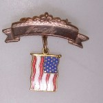 VINTAGE WWII HOMEFRONT SWEETHEART GOLD FILLED RIBBON PIN W/ENAMEL U.S. FLAG PIN!