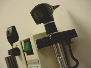 69133_medical_exam_equipment.jpg