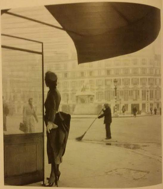 """C. Coffin, C. Dior, Modello """"Cocotte"""", collezione autunno -inverno 1948-1949. Fonte: E. Morini, Storia della Moda, 2010, p. 374."""